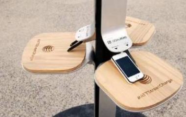 smartphone ricaricabile a energia solare